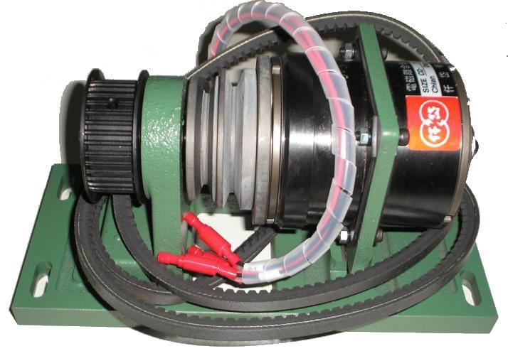 磁粉离合器|磁粉制动器的工作原理 磁粉离合器|磁粉制动器是根据电磁原理和利用磁粉传递转矩的。具有激磁电流和传递转矩基本成线性关系。在同滑差无关的情况下能够传递一定的转矩,具有响应速度快、结构简单、无污染、无噪音、无冲击振动节约能源等优点。是一种多用途、性能优越的自动控制元件。 磁粉离合器、磁粉制动器产品特性 激磁电流与转矩成线性关系 磁粉离合器、磁粉制动器是根据电磁原理并利用磁粉来传达转矩的,其传达之转矩与激磁电流基本成线性关系。因此,只要改变激磁电流之大小,便可轻易地控制转矩之大小。正常情况下,在5%至
